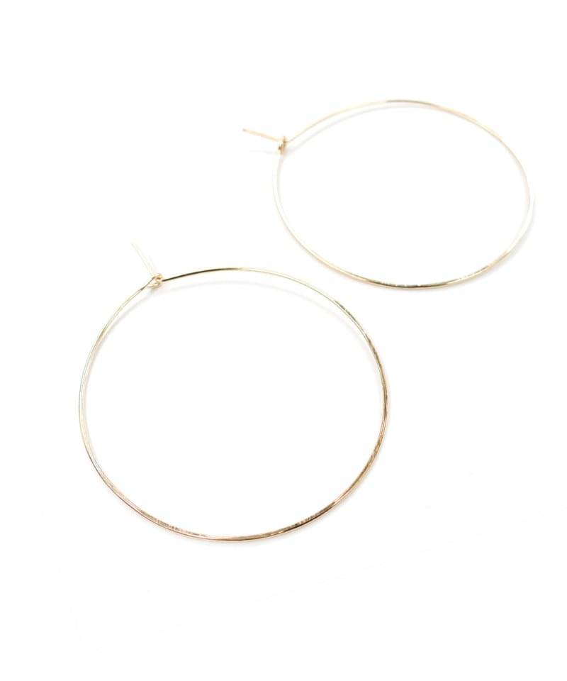 E Featherweight Hoop Large Gold 2 1