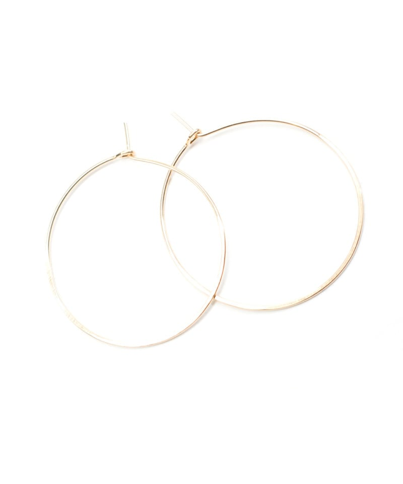 E Featherweight Hoop Small Gold 2 3